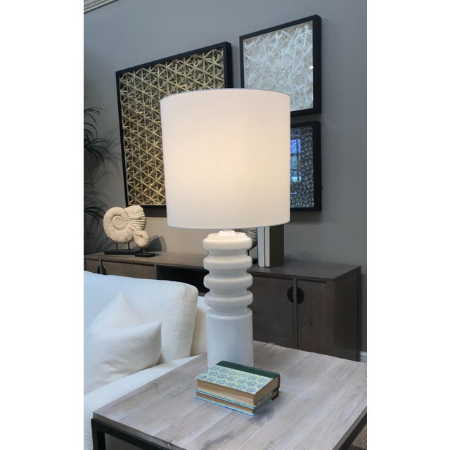 Mid-Century Modern Mid-Century Modern Contour White Table Lamp For Sale - Image 3 of 4