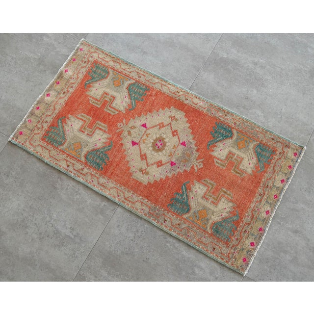a Vintage Turkish Small yastik rug, JAPONİCA background yastik rug perfect for entryway, bath or in front of the kitchen...