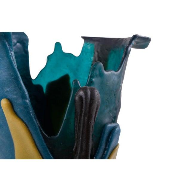 Gaetano Pesce Mulitcolored Resin Vase - 1996 For Sale - Image 6 of 10