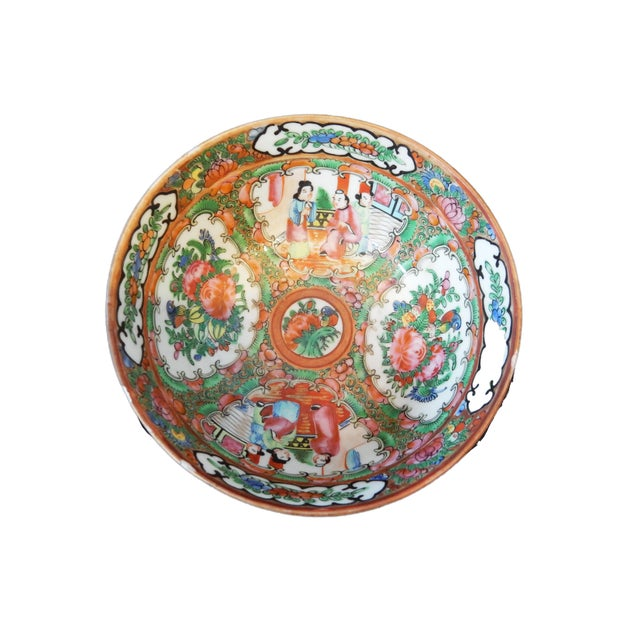 Superb Antique Chinese Export porcelain rose medallion bowl. It dates to the 20th century or earlier. The bowl is in...