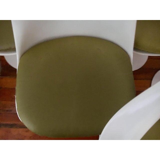 Fiberglass 1960s Danish Modern Eero Saarinen for Knoll Tulip Chairs - Set of 6 For Sale - Image 7 of 10