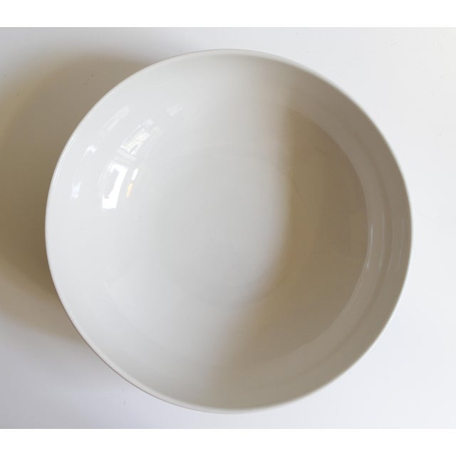Eva Zeisel for Hall China Tritone Ceramic Serving Bowl For Sale - Image 5 of 5