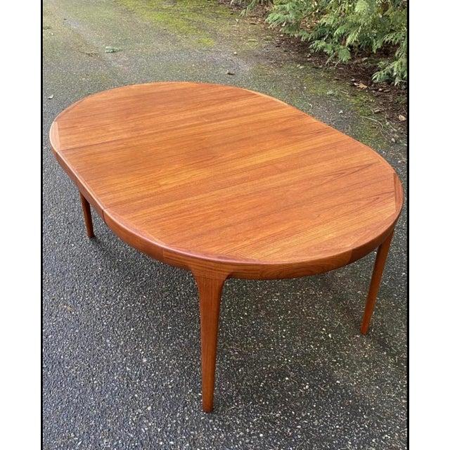 Mid-Century Modern Vintage Ib Kofod Larsen Danish Mid Century Teak Round to Oval Dining Table For Sale - Image 3 of 6