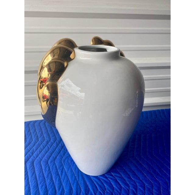 Fratelli Toso Hollywood Regency Italian Gold Winged Vase For Sale - Image 4 of 10