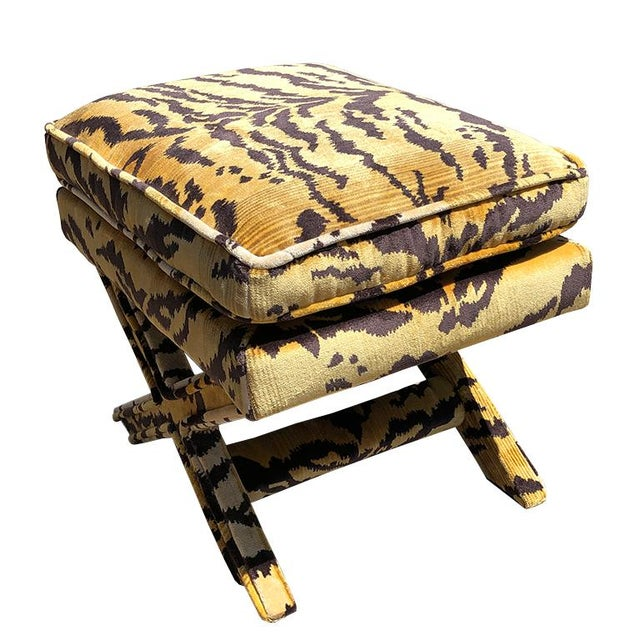 Billy Baldwin Billy Baldwin 1950s Vintage Tiger Print X Bench Stool in Tiger Print Attributed to Scalamandre For Sale - Image 4 of 7