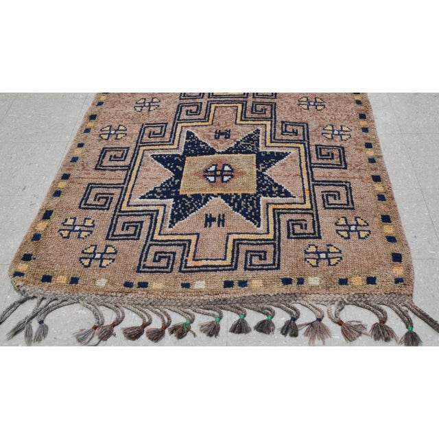 """1950s 1950s Boho Chic Peach and Taupe Wool Kurdish Runner - 3'8""""x12'2"""" For Sale - Image 5 of 7"""