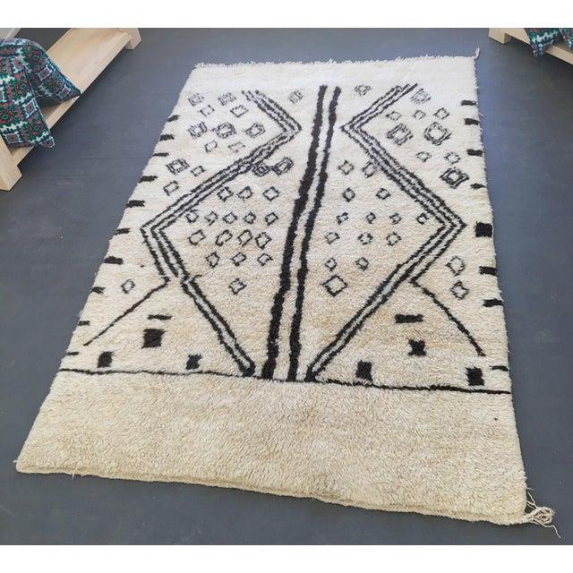 Vintage Moroccan Rug - 4′4″ × 6′8″ - Image 2 of 6