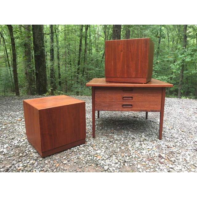Jens Risom Mid Century Modern Cube Tables ~ a Pair For Sale - Image 10 of 13