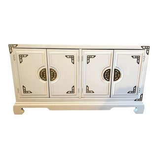 1960s Chinoiserie Style White Lacquer Credenza For Sale