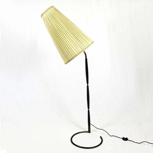 Giuseppe Ostuni 1940´s Floor Lamp by Giuseppe Ostuni, stained mahogany, brass - Italy For Sale - Image 4 of 11