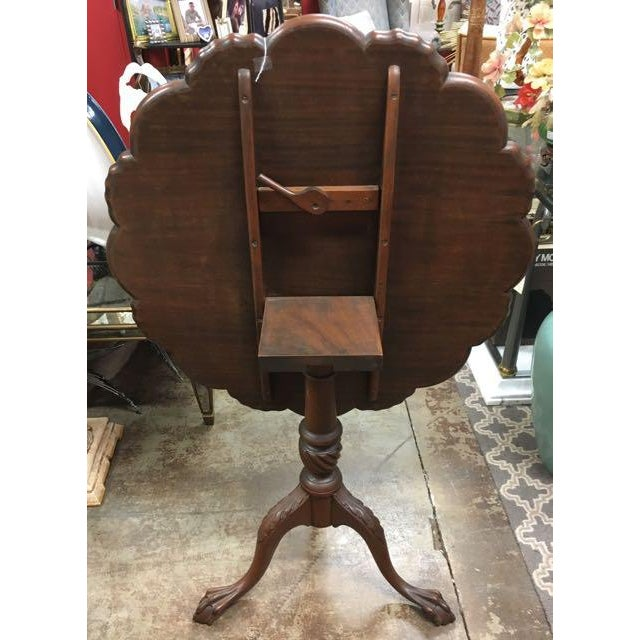 Early 20th Century Kittinger Tilt-Top Piecrust Table For Sale - Image 5 of 11