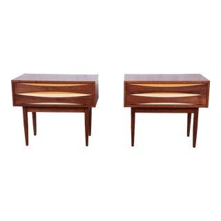 Arne Vodder Style Mid-Century Modern Walnut Nightstands, Pair For Sale