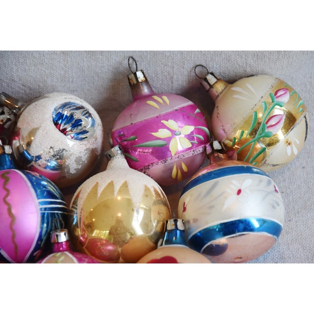 Cardboard Midcentury Vintage Colorful Christmas Tree Ornaments W/Box - Set of 12 For Sale - Image 7 of 9