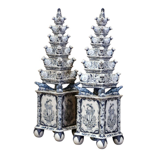 "Pair of Painted Blue and White Porcelain Maottahedeh Tulip Pagodas ""Tulipieres"" For Sale"