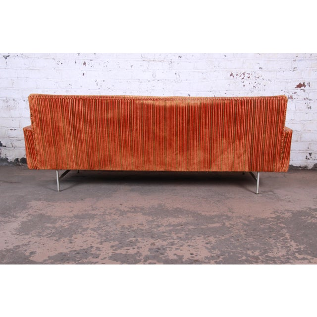 Original Paul McCobb Linear Group Sofa on Brass Legs, 1960s For Sale In South Bend - Image 6 of 9