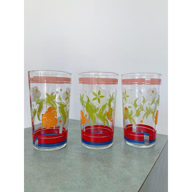 1950s Vintage 1950s Floral Kitsch Drinking Glasses - Set of 6 For Sale - Image 5 of 10