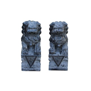 Chinese Small Pair Distressed Black Gray Stone Fengshui Foo Dogs Statue For Sale