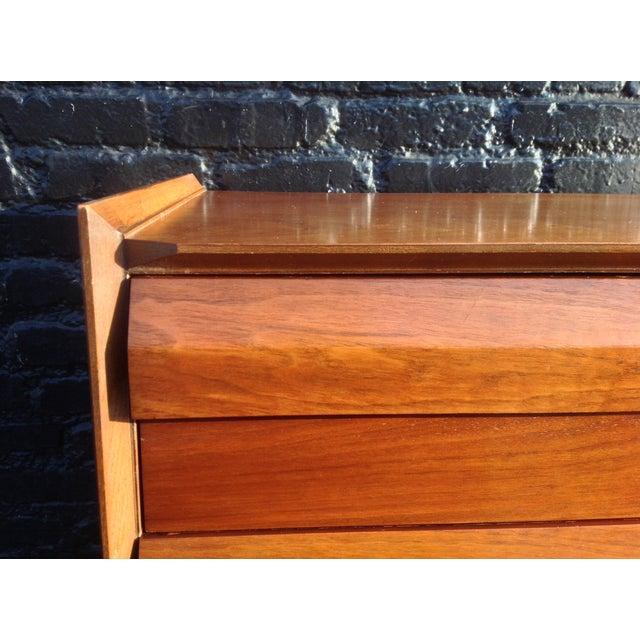 Mid Century Walnut Lane Furniture Dresser - Image 7 of 8