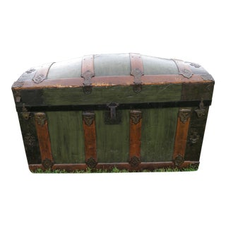 19th Century Americana Barrell Top Dome Top Steamer Trunk Chest For Sale