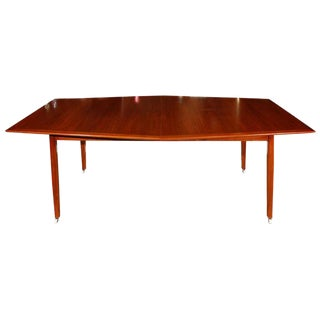 Dining Table in the Style of Hans Wegner For Sale