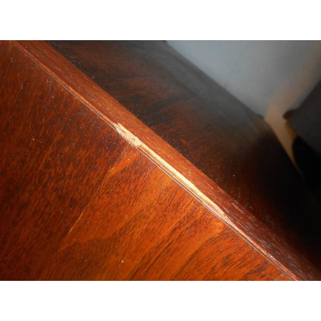 Henredon Mid-Century Chest of Drawers - a Pair For Sale - Image 9 of 10