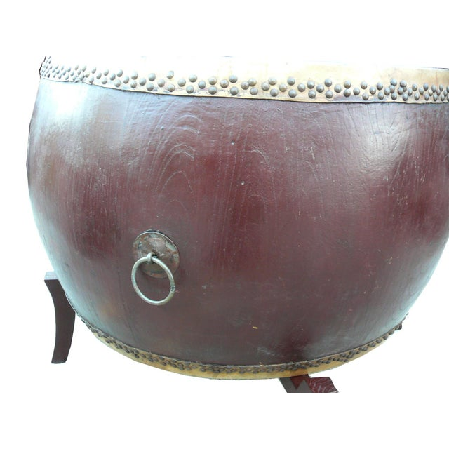 Asian Chinese Brown Lacquer Drum Shape Table Decor For Sale - Image 3 of 4