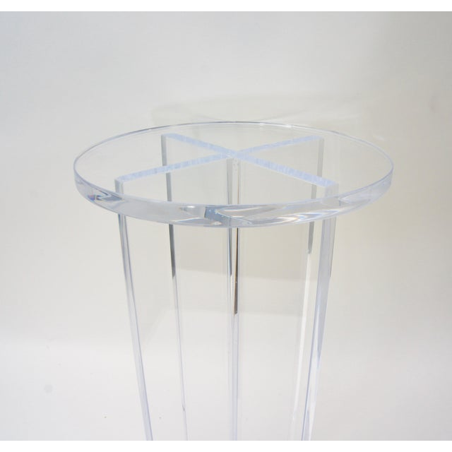 Alexander Millen Bespoke Round Lucite Drinks Table For Sale - Image 4 of 6
