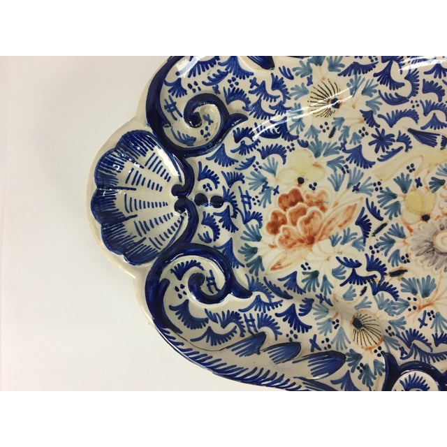 19th Century Rouen French Traditional Hand-Painted Serving Platter For Sale In Miami - Image 6 of 8