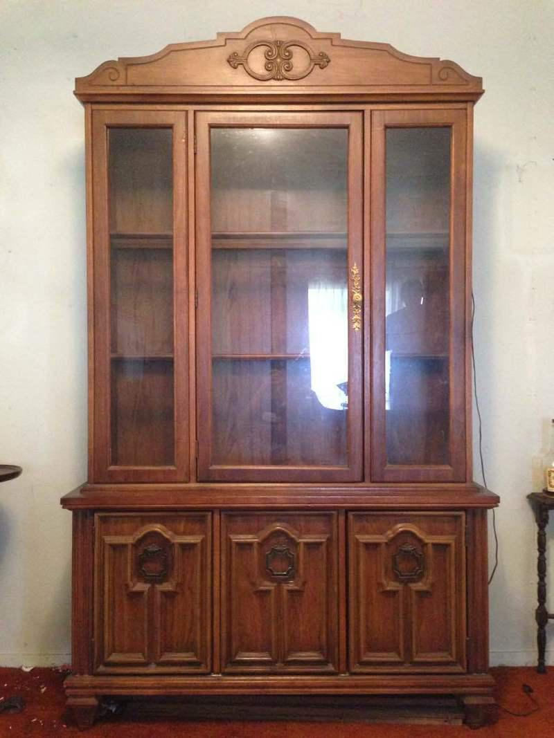 Genial Vintage Three Door Glass Front China Cabinet   Image 7 Of 7