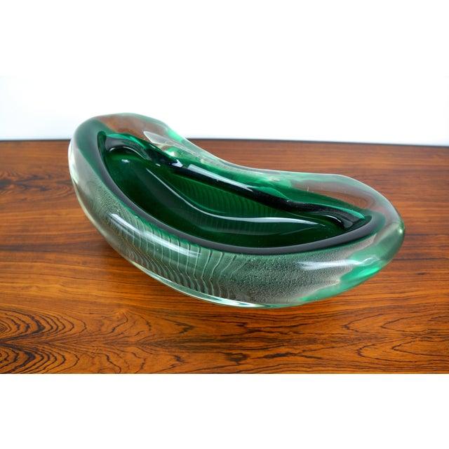 Alfredo Barbini Vintage Alfredo Barbini Sculptural Murano Glass Bowl For Sale - Image 4 of 9