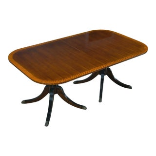 1980s Hepplewhite Banded Dining Table by Walter of Wabash For Sale