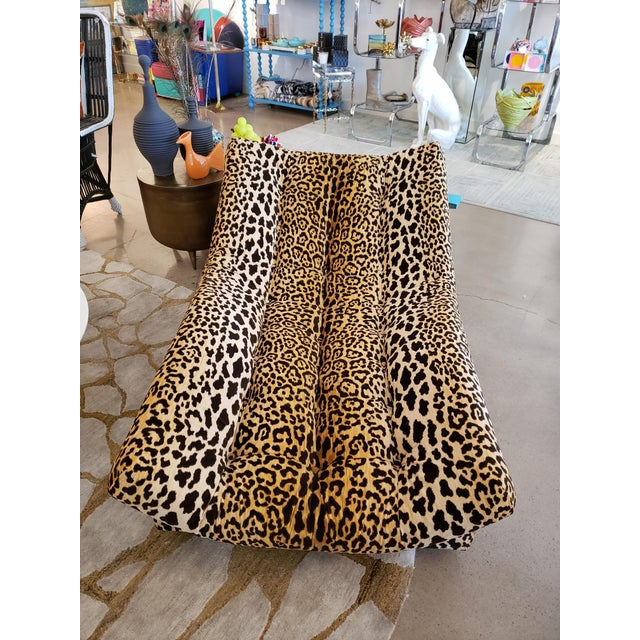 Hollywood Regency Vintage Tufted Leopard Chaise Lounge For Sale - Image 3 of 5