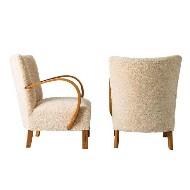 Mid-Century Modern Pair of Scandinavian Sheepskin Lounge Chairs For Sale - Image 3 of 9