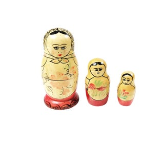 Vintage Mid-Century Hand Made Russian Nesting Dolls - Set of 3