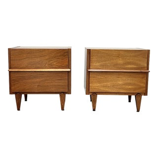 Pair of Mid Century Modern Nightstands by American of Martinsville For Sale