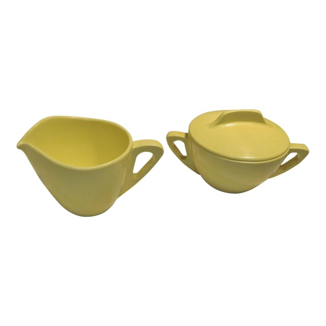 Retro Pale Yellow Melmac Prolon Ware Creamer and Sugar With Lid For Sale
