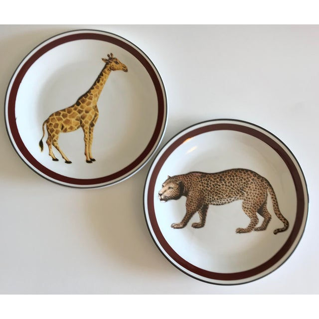 Mottahedeh Italian Ceramic Leopard and Giraffe Plates - Set of 2 For Sale - Image 10 of 10
