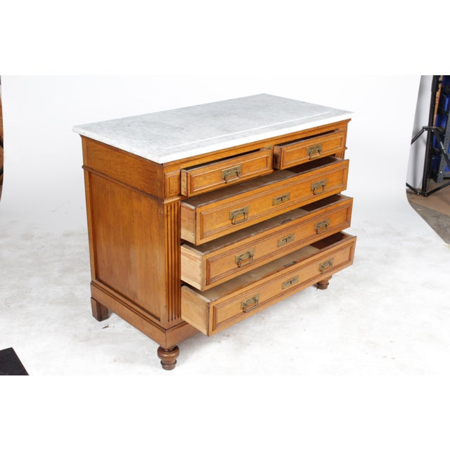 1920s Gustavian-Style Marble-Top Commode - Image 3 of 11