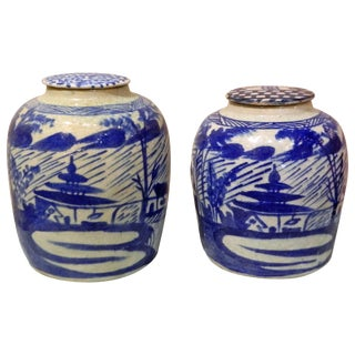 Pair of Blue and White Chinese Ginger Jar With Lids, 20th Century For Sale