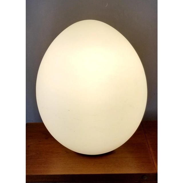 Vintage Mid-Century Glass Egg Large Lamp For Sale In Los Angeles - Image 6 of 11
