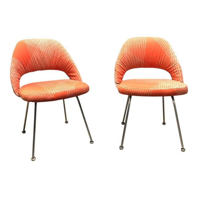 Knoll Rare Eero Saarinen for Knoll Chairs on Aluminum Legs- a Pair For Sale - Image 4 of 8