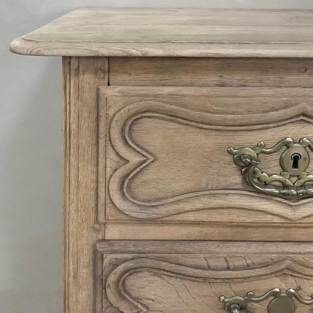 Gold 18th Century Country French Stripped Oak Provincial Commode For Sale - Image 8 of 13