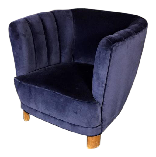 High End Curved Arm Club Chair In New Navy Velvet, Denmark, 1940 | DECASO