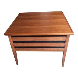 Vintage Mid-Century Modern Dillingham Esprit Walnut Side / End Table For Sale