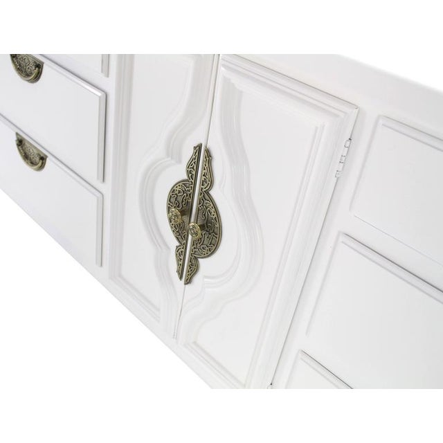 Mid 20th Century Mid-Century Modern White Lacquer Brass Drop Pulls Triple Dresser For Sale - Image 5 of 11