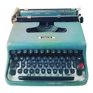50's 60's Vintage Olivetti Lettera 22 Typewriter For Sale