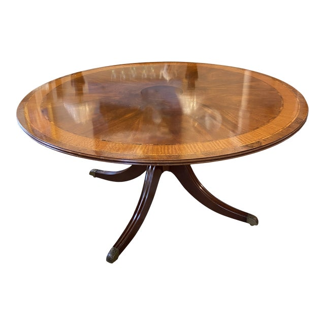 1920s Traditional Round Mahogany Dining Table For Sale