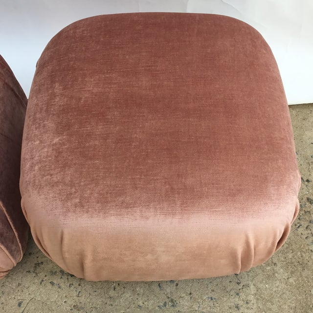 Pair of Vintage Ottomans Poufs in Style of Karl Springer in Rose Quartz Silk Velvet For Sale In Charlotte - Image 6 of 8