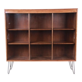 Heywood Wakefield Mid-Century Modern Triple Bookcase on Hairpin Legs For Sale