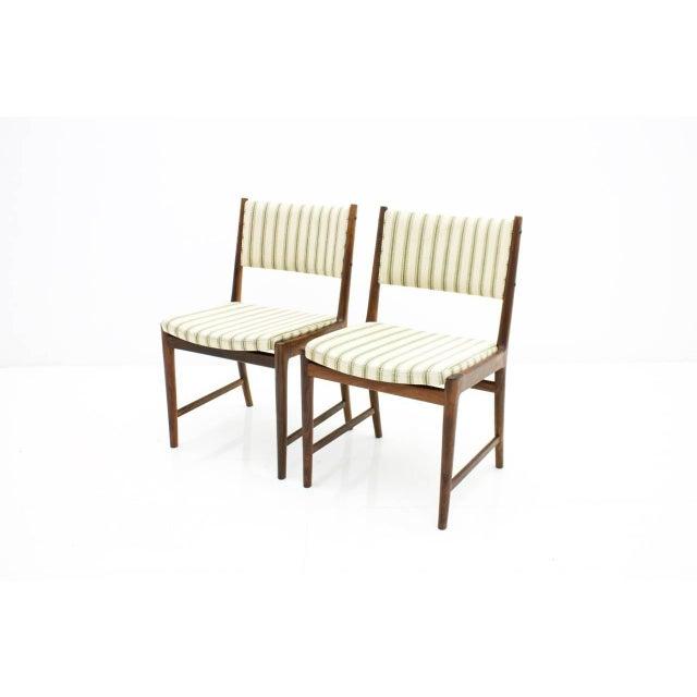 1960s Pair of Side Chairs by Kai Lyngfeldt-Larsen for Søren Willadsen, Denmark, 1960s For Sale - Image 5 of 7
